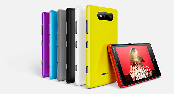 Nokia Lumia 820 Carcasas