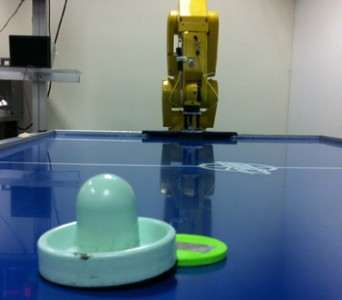 robot-air-hockey