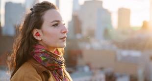 Pilot, el nuevo auricular inteligente que traduce idiomas en tiempo real